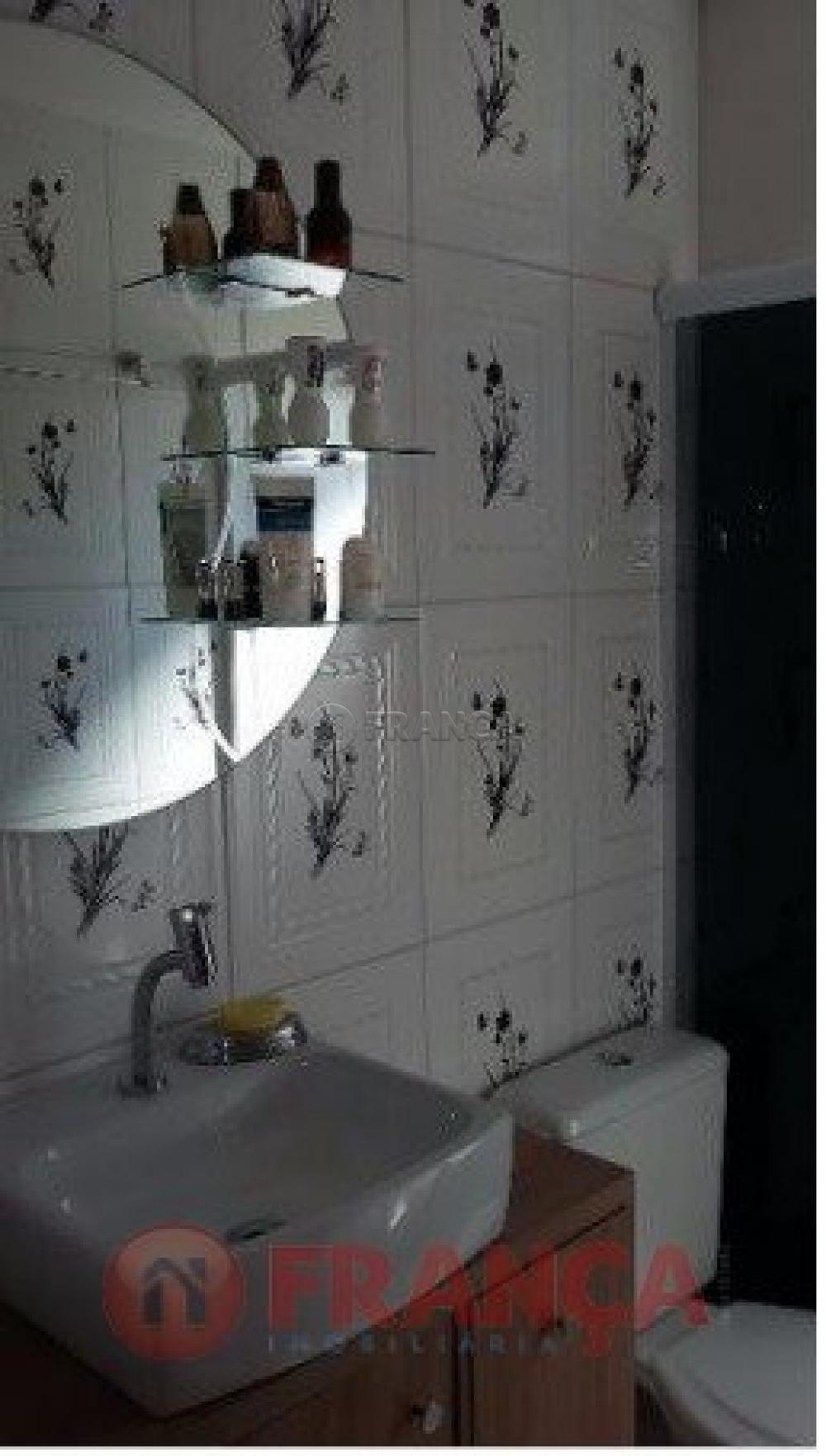 Comprar Apartamento / Padrão em Jacareí R$ 180.000,00 - Foto 2
