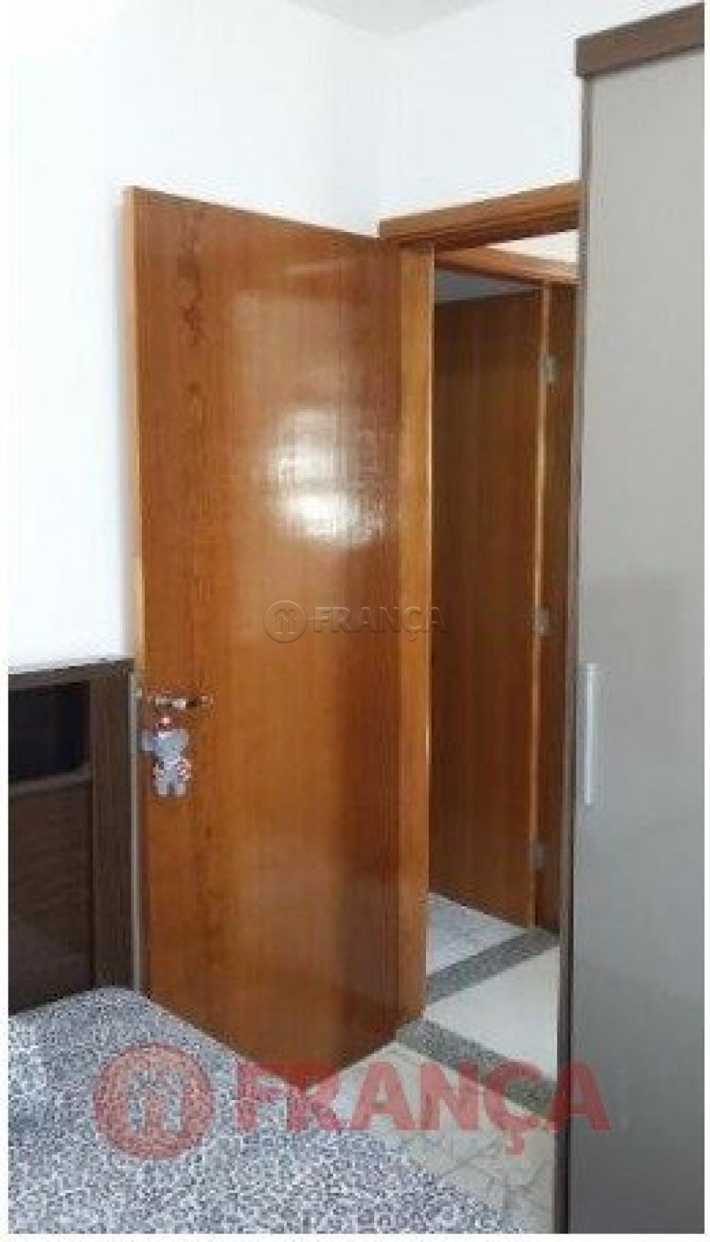 Comprar Apartamento / Padrão em Jacareí R$ 180.000,00 - Foto 7
