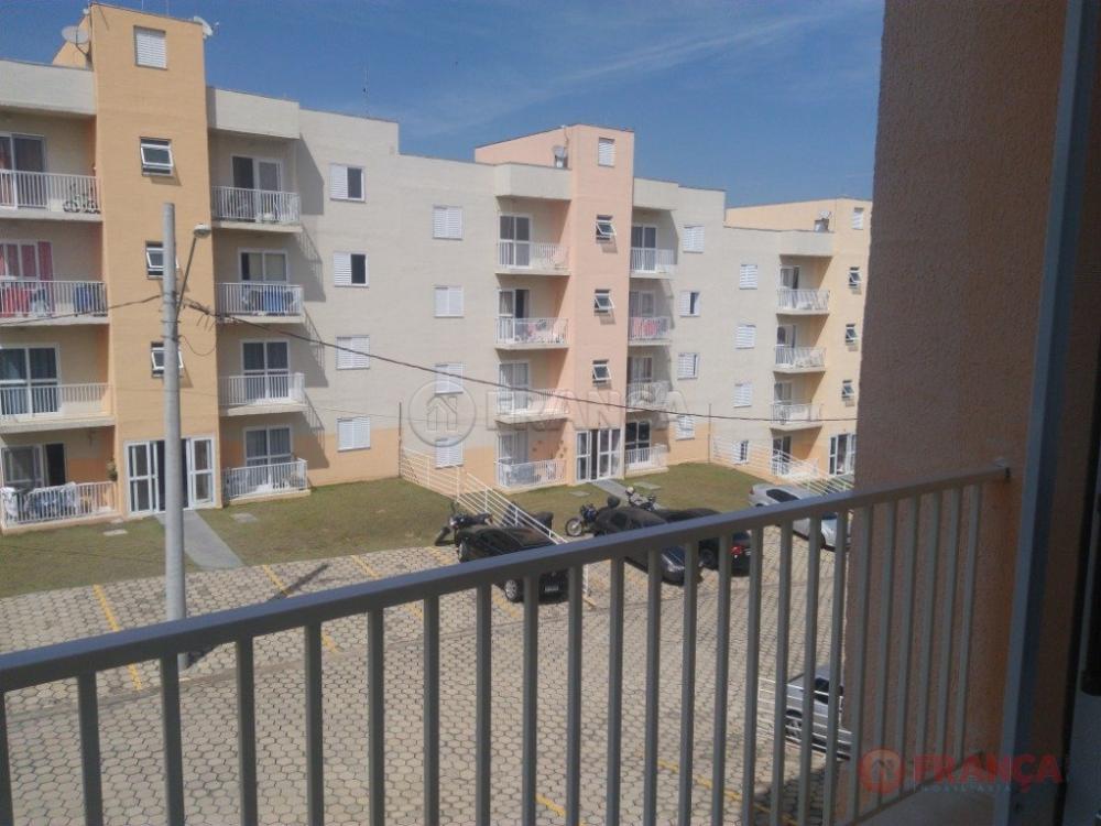 Comprar Apartamento / Padrão em Jacareí R$ 180.000,00 - Foto 1