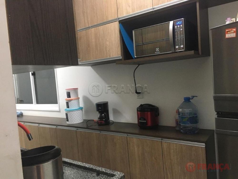 Comprar Apartamento / Padrão em Jacareí R$ 145.000,00 - Foto 1