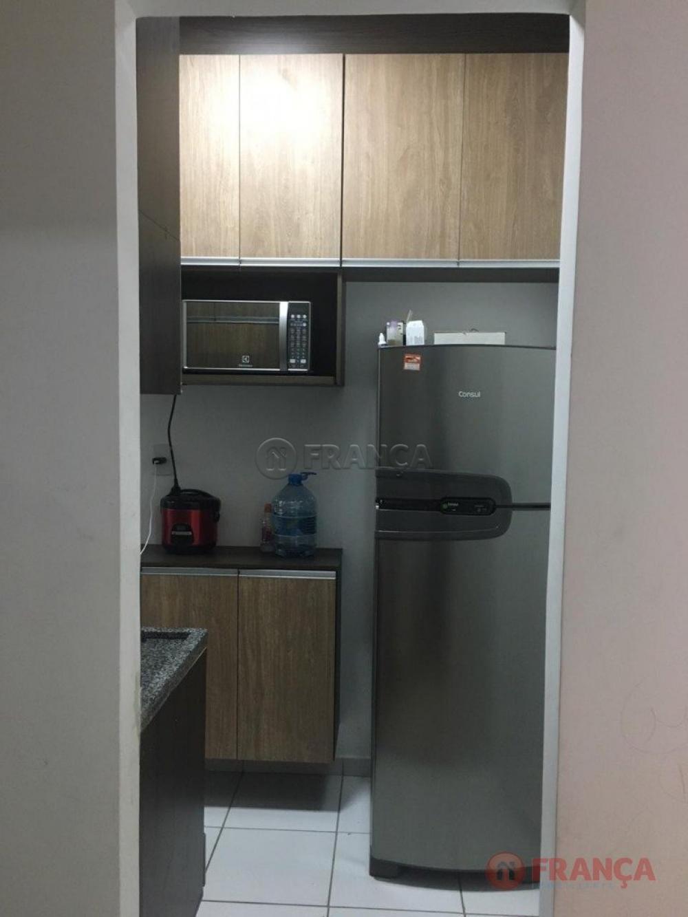 Comprar Apartamento / Padrão em Jacareí R$ 145.000,00 - Foto 4