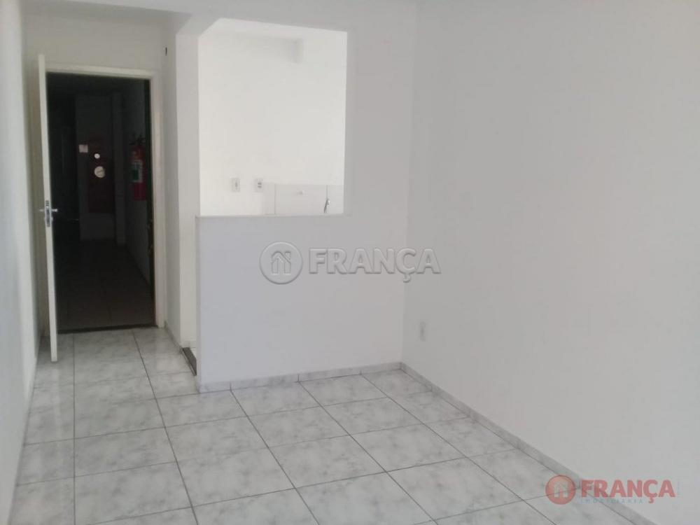 Alugar Apartamento / Padrão em Jacareí apenas R$ 700,00 - Foto 1