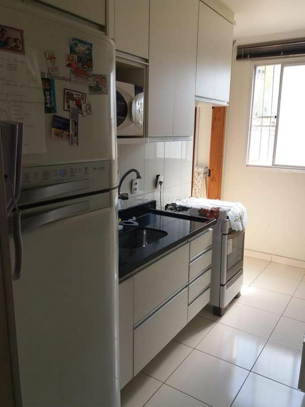 Comprar Apartamento / Padrão em São José dos Campos apenas R$ 180.000,00 - Foto 4