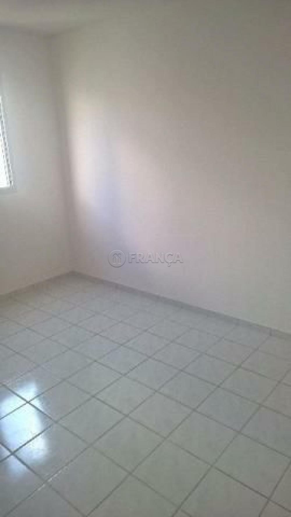 Comprar Apartamento / Padrão em São José dos Campos apenas R$ 180.000,00 - Foto 6
