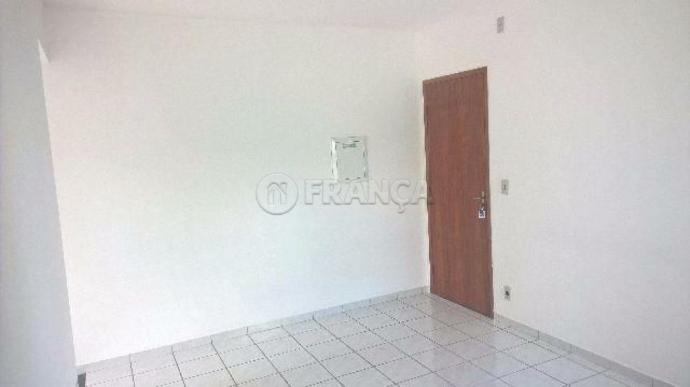 Comprar Apartamento / Padrão em São José dos Campos apenas R$ 180.000,00 - Foto 2