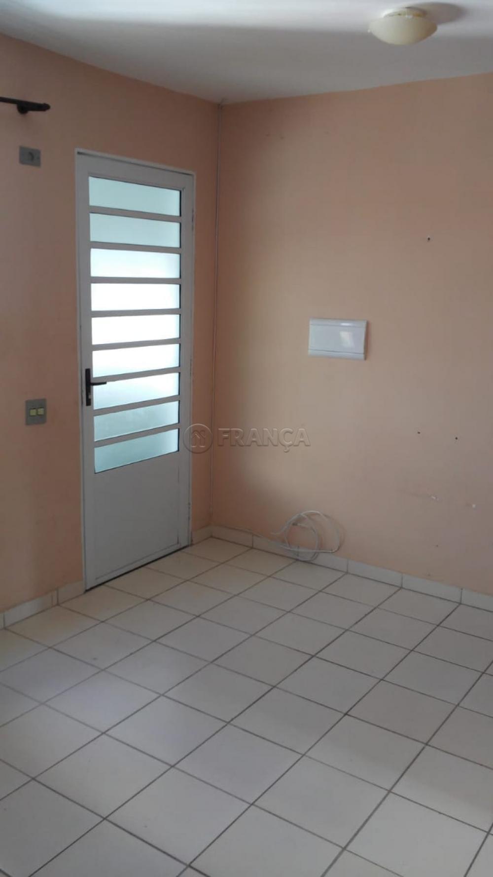 Comprar Apartamento / Padrão em São José dos Campos apenas R$ 118.000,00 - Foto 3