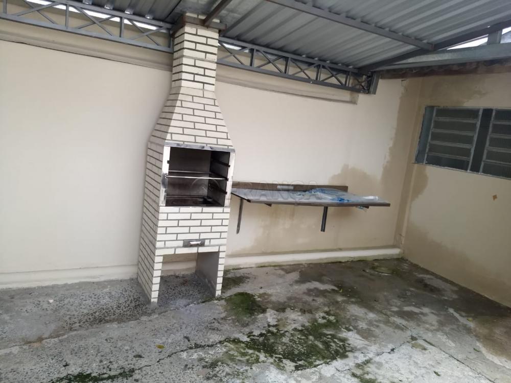 Alugar Casa / Padrão em Jacareí R$ 800,00 - Foto 4