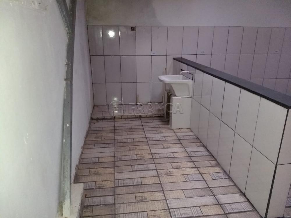Alugar Casa / Padrão em Jacareí R$ 800,00 - Foto 7