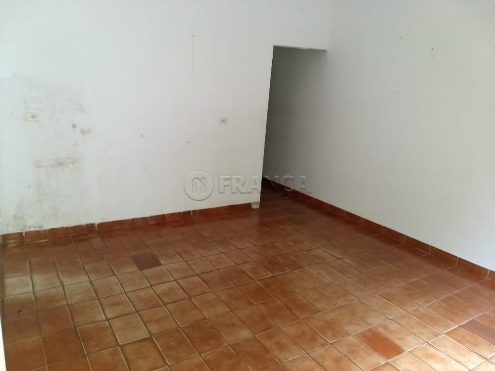 Alugar Casa / Padrão em Jacareí R$ 800,00 - Foto 5
