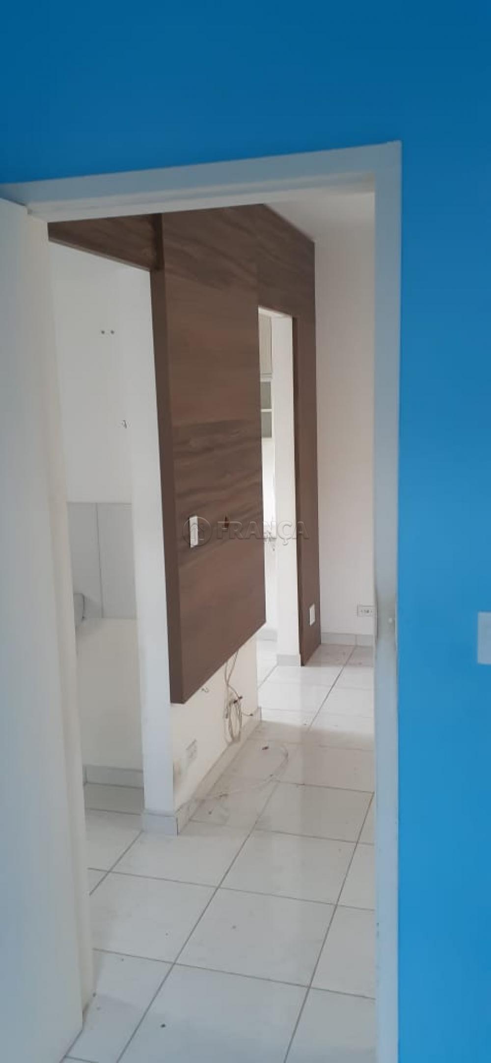 Comprar Apartamento / Padrão em Jacareí R$ 140.000,00 - Foto 6