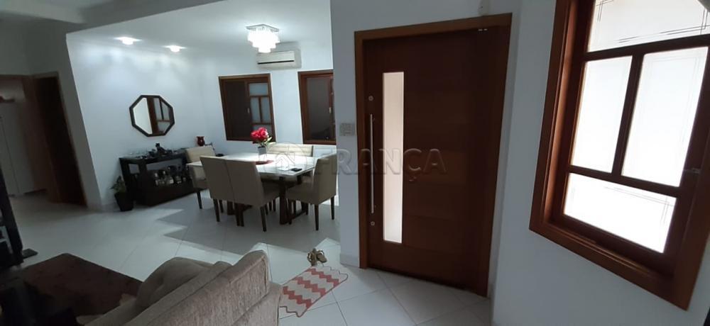 Comprar Casa / Padrão em Jacareí R$ 556.500,00 - Foto 1