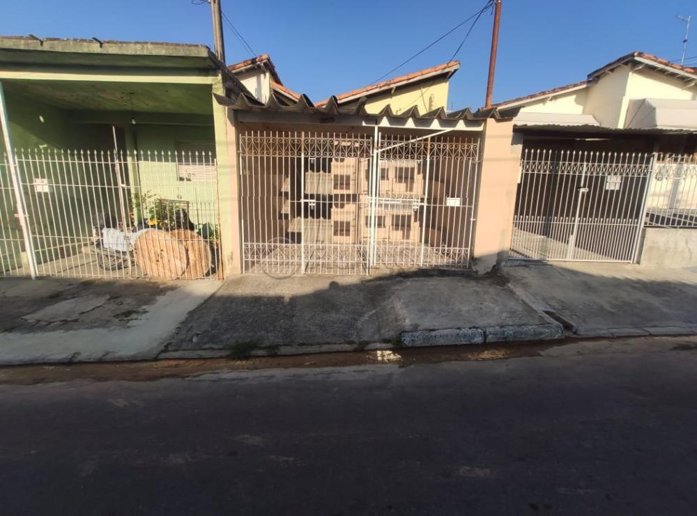 Comprar Casa / Padrão em Jacareí R$ 215.000,00 - Foto 1