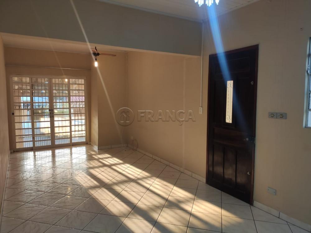 Comprar Casa / Padrão em Jacareí R$ 215.000,00 - Foto 2