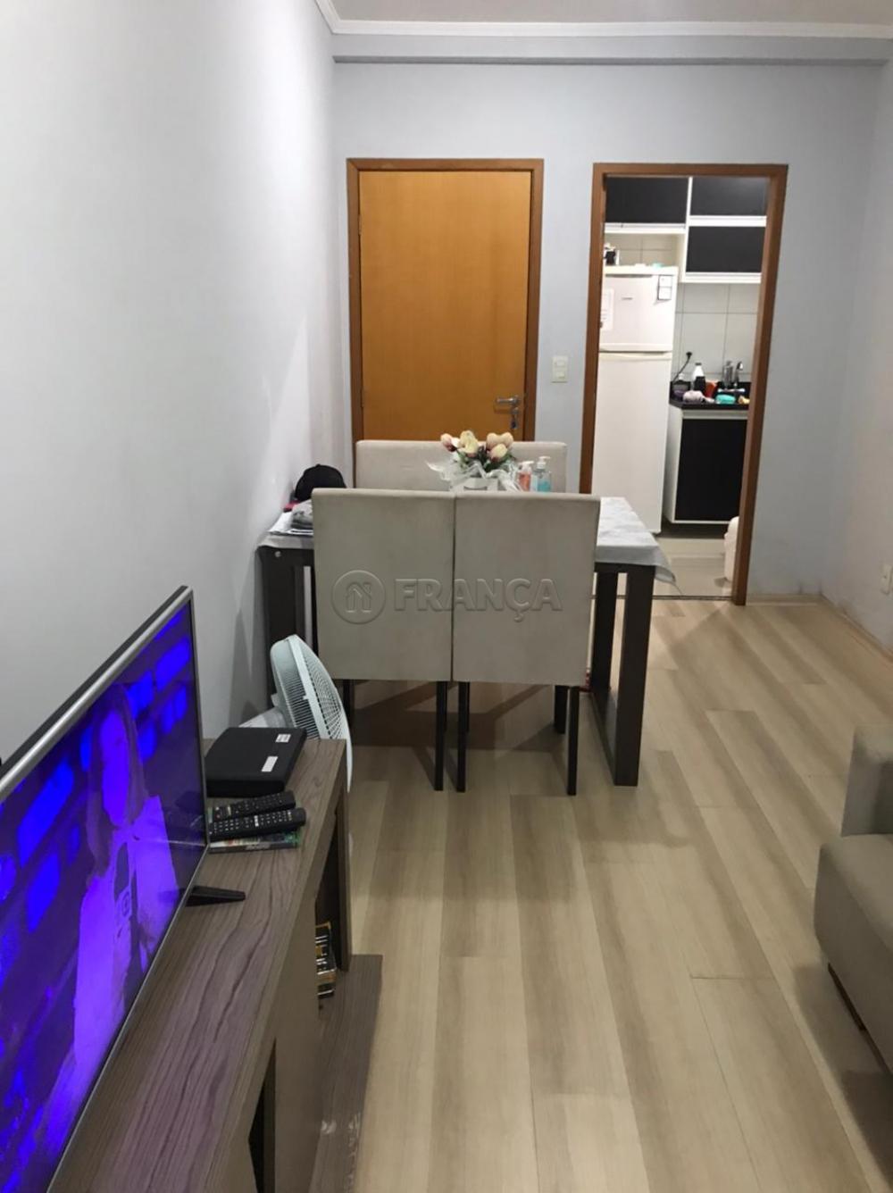 Comprar Apartamento / Padrão em São José dos Campos R$ 325.000,00 - Foto 2