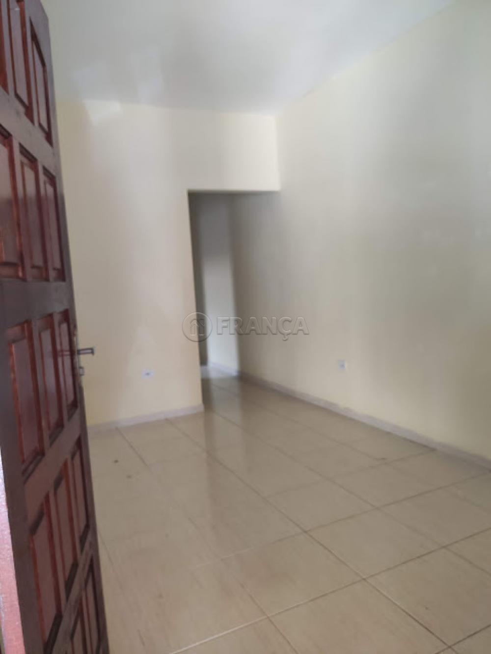 Comprar Casa / Padrão em Jacareí R$ 225.000,00 - Foto 4