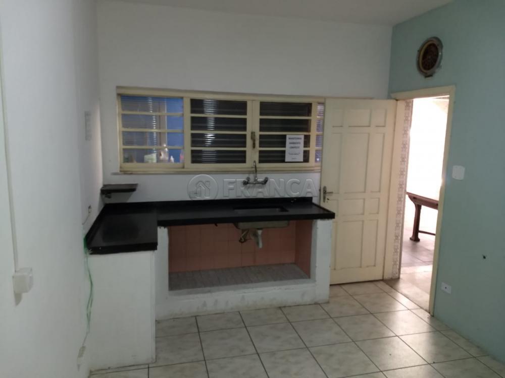 Alugar Comercial / Ponto Comercial em Jacareí R$ 1.900,00 - Foto 7