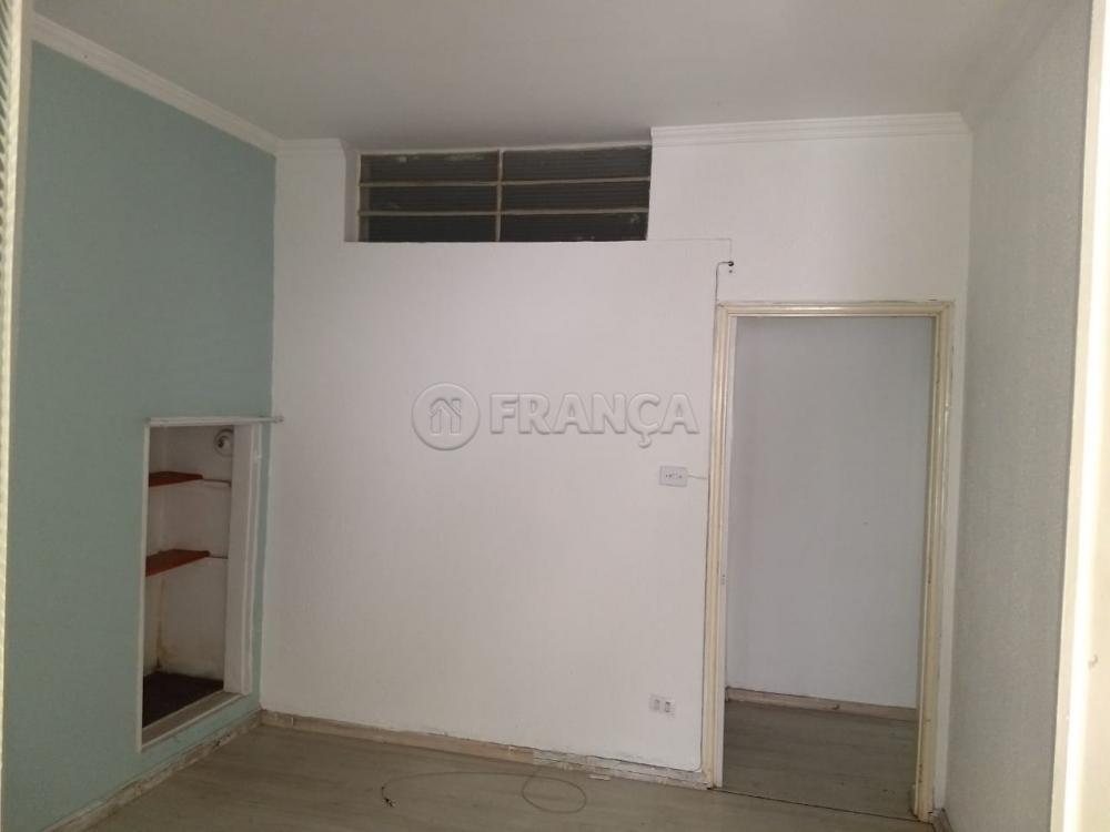 Alugar Comercial / Ponto Comercial em Jacareí R$ 1.900,00 - Foto 4