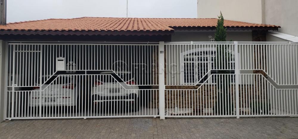 Comprar Casa / Padrão em Jacareí R$ 600.000,00 - Foto 1