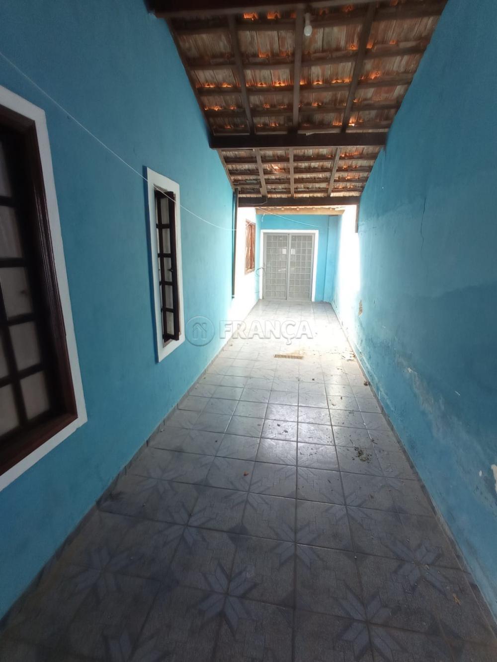 Alugar Casa / Padrão em Jacareí R$ 1.200,00 - Foto 4