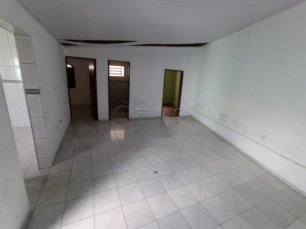 Alugar Casa / Padrão em Jacareí R$ 1.200,00 - Foto 6