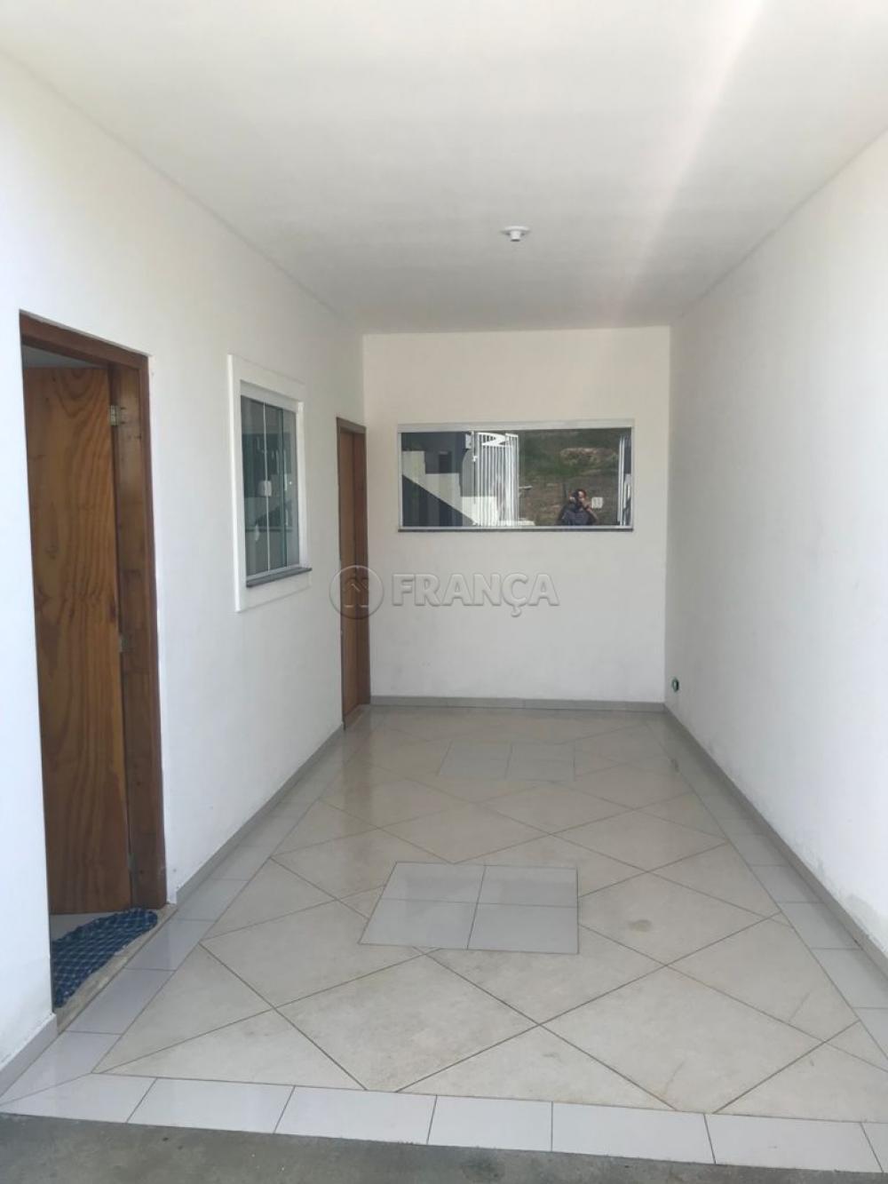 Comprar Casa / Padrão em Jacareí R$ 240.000,00 - Foto 2