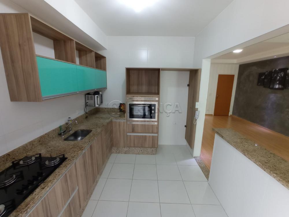 Alugar Apartamento / Padrão em Jacareí R$ 2.200,00 - Foto 4