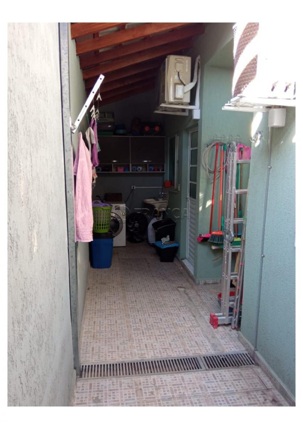 Alugar Casa / Condomínio em Jacareí R$ 1.000,00 - Foto 11