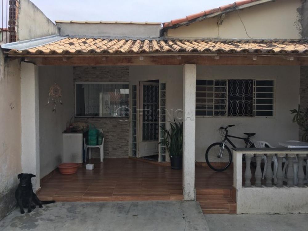 Comprar Casa / Padrão em Jacareí R$ 190.800,00 - Foto 1