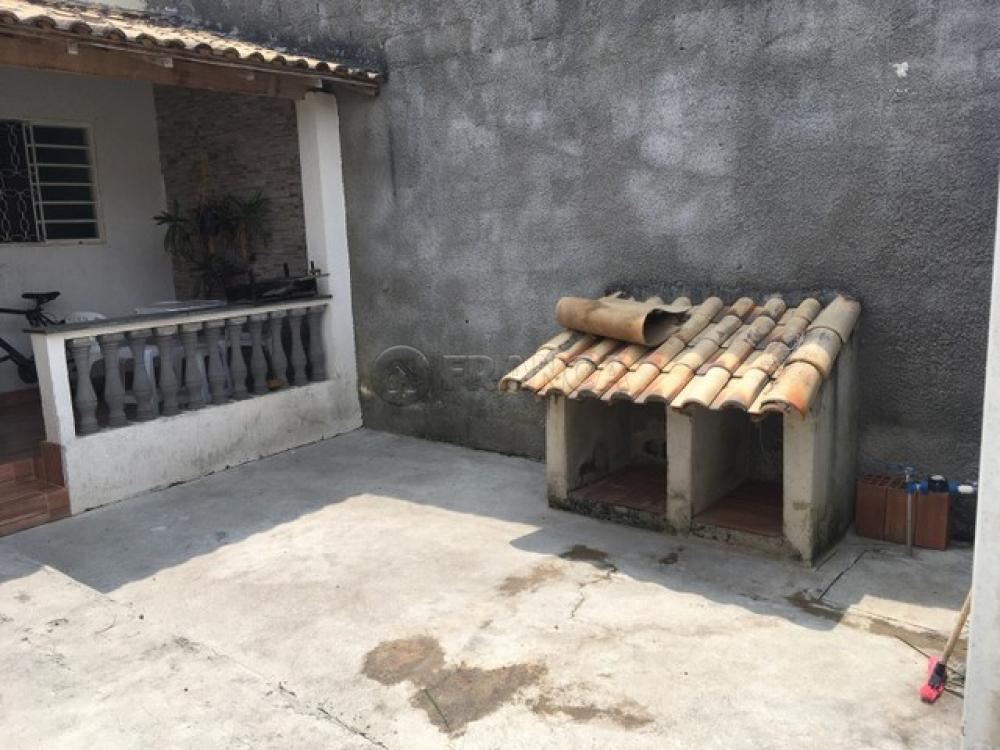 Comprar Casa / Padrão em Jacareí R$ 190.800,00 - Foto 2
