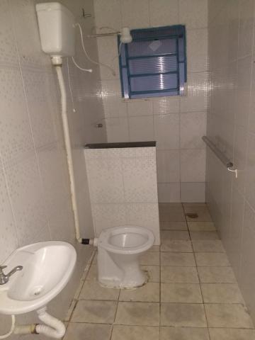 Alugar Casa / Padrão em Jacareí R$ 800,00 - Foto 11