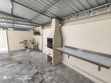 Alugar Casa / Padrão em Jacareí R$ 800,00 - Foto 2