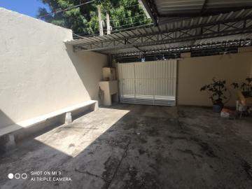Alugar Casa / Padrão em Jacareí R$ 800,00 - Foto 3