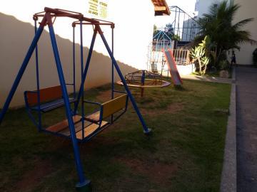 Alugar Apartamento / Padrão em Jacareí R$ 900,00 - Foto 18