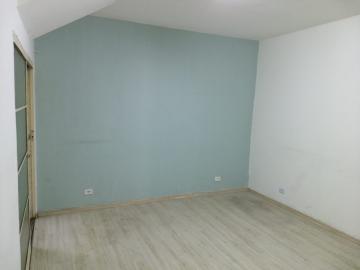 Alugar Comercial / Ponto Comercial em Jacareí R$ 1.900,00 - Foto 2
