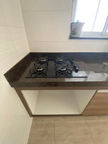 Alugar Apartamento / Padrão em Jacareí R$ 1.300,00 - Foto 7