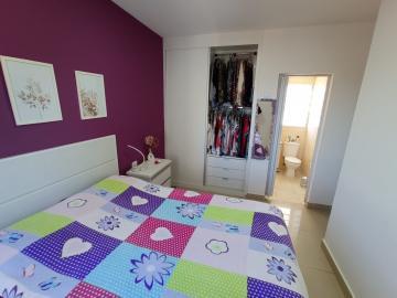Alugar Apartamento / Padrão em Jacareí R$ 1.200,00 - Foto 10