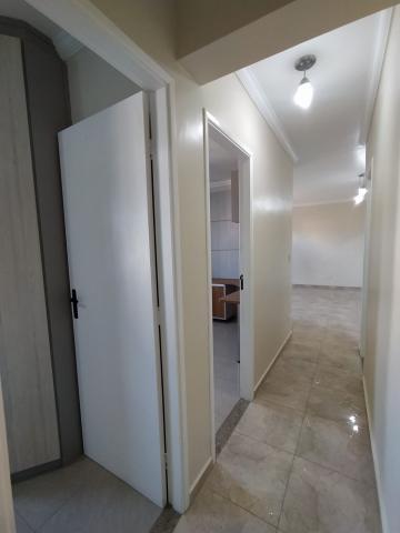 Alugar Apartamento / Padrão em Jacareí R$ 1.500,00 - Foto 5